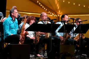 Syndicate Jazz Band Performs Live in December